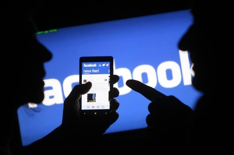 Facebook çalışanları 2021 yazına kadar evden çalışacak | Independent Türkçe