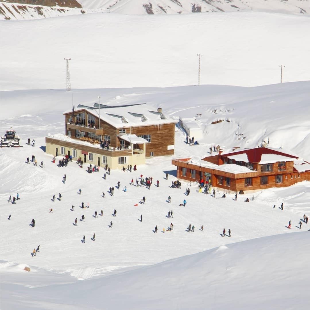 Hakkari, kayak merkezi ile Orta Doğunun yeni gözdesi oluyor (7).jpg