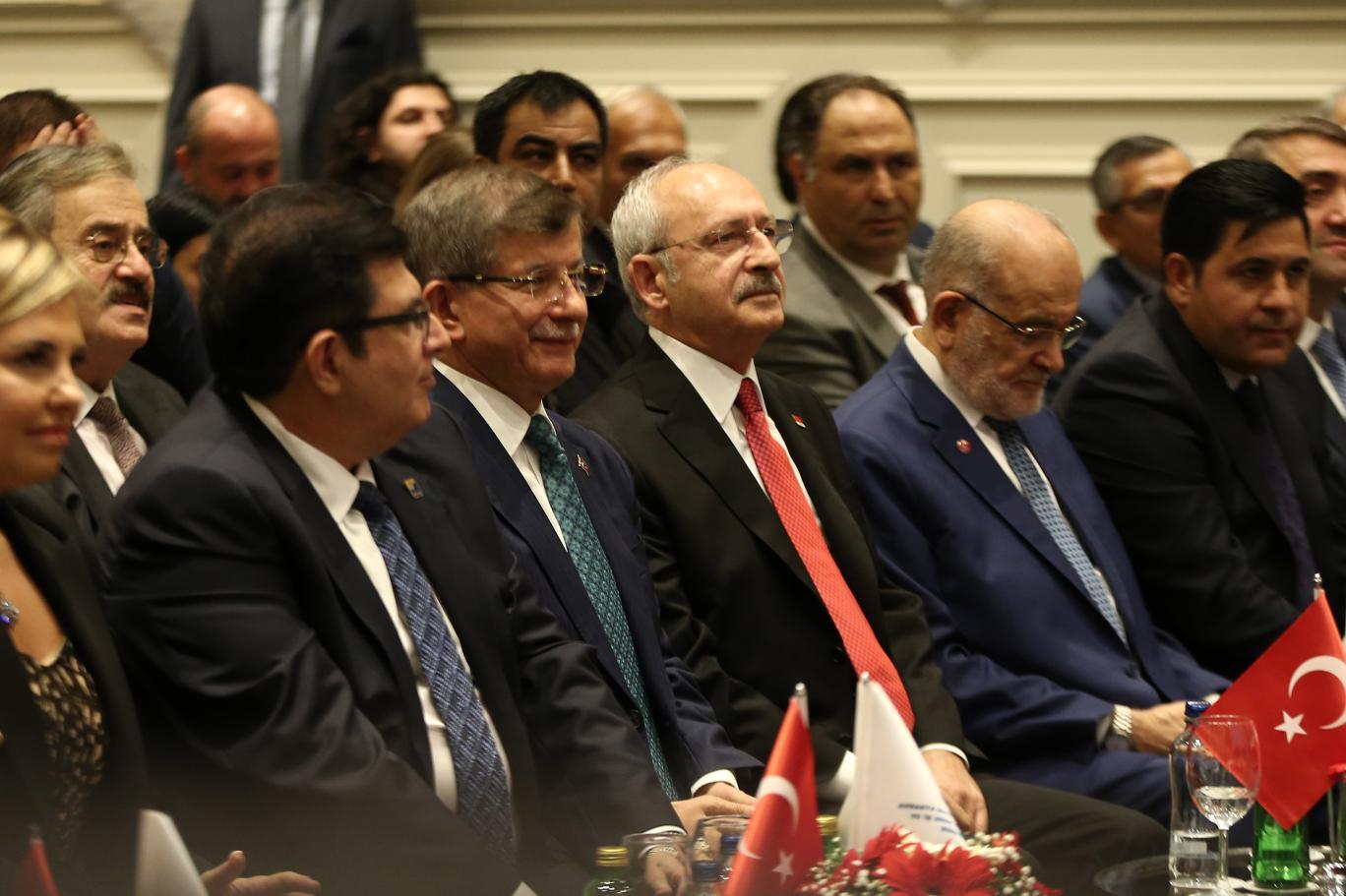 Kılıçdaroğlu, Karamollaoğlu ve Davutoğlu bir araya geldi | Independent Türkçe