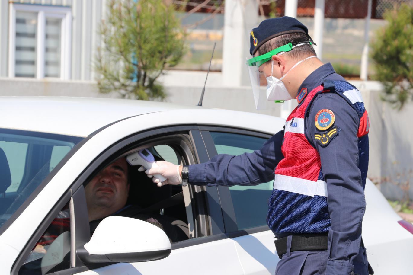 İstanbul'da salgın tedbirleri: Özel araçlara trafik, 18 yaş altına sokak yasağı gelebilir
