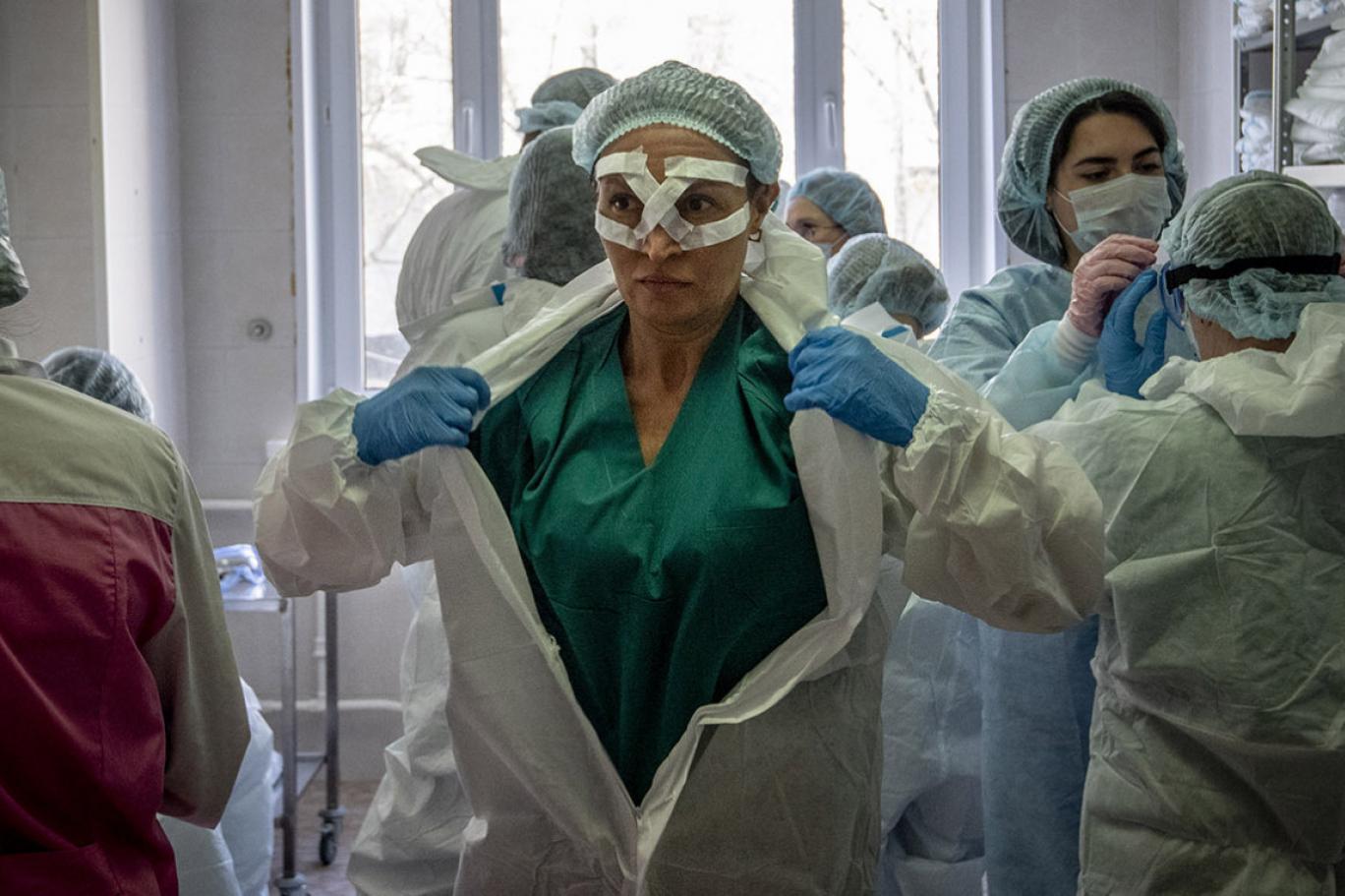 Rus doktorlar soruyor: Putin'in koronavirüs primleri nereye gitti? |  Independent Türkçe
