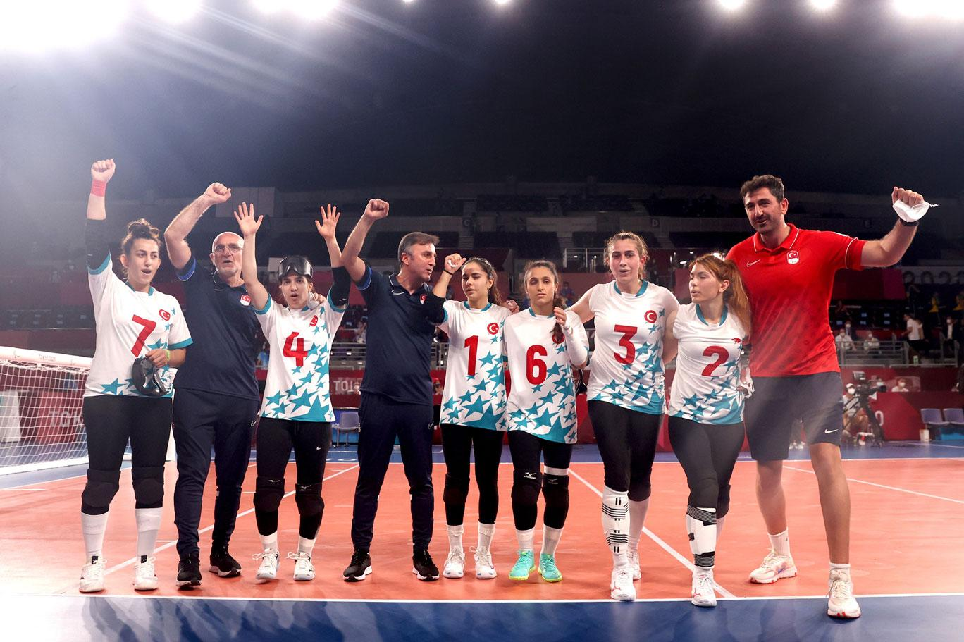 ABD'yi 9-2 yenen Golbol Kadın Milli Takımı Tokyo'da altın madalya kazandı |  Independent Türkçe