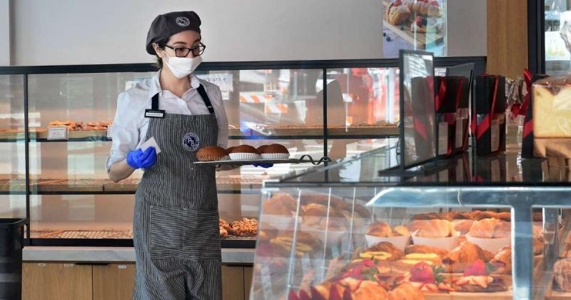 ABD'de restoran çalışanlarının ekonomik ve ruh sağlığı kötüye gidiyor.(1).jpg