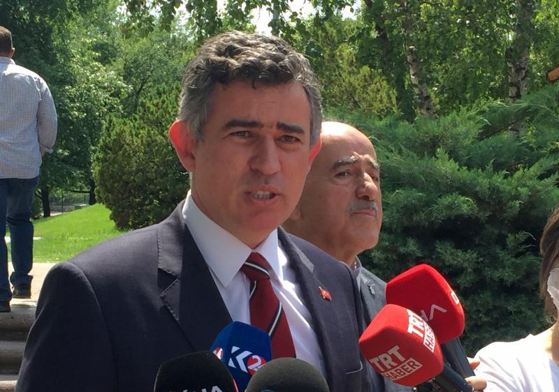 Metin Feyzioğlu AA