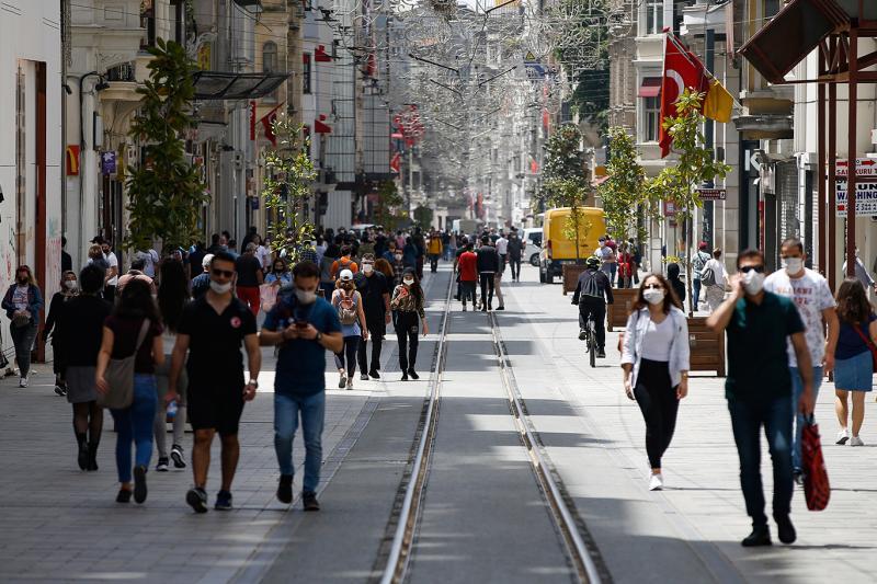 istiklal-caddesi-istanbul-korona-AP.jpg
