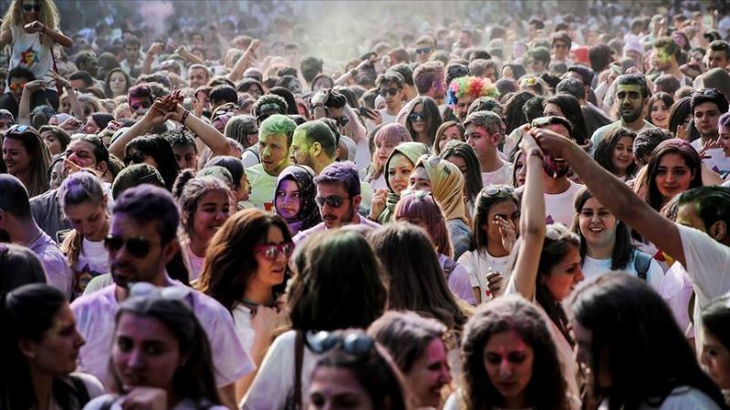 Türkiye'de genç nüfus AA.jpg
