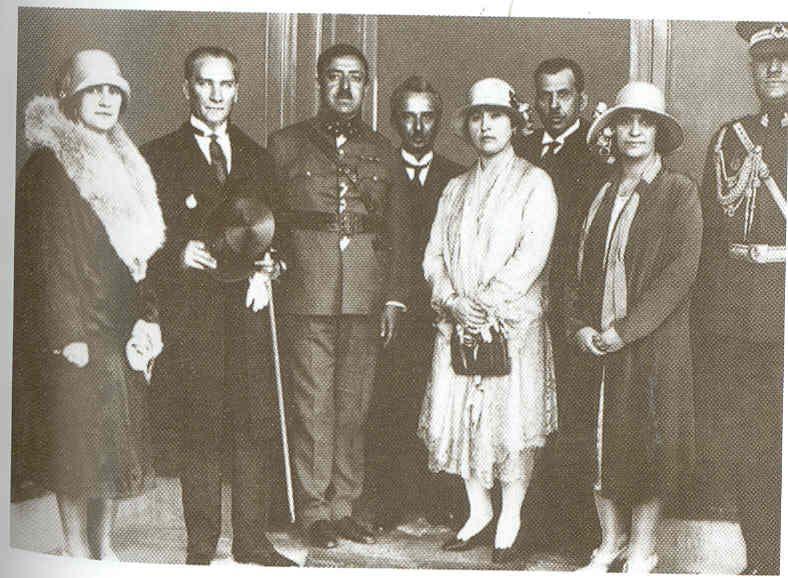 Amaullah ve Kraliçenin Atatürk ziyareti.jpg