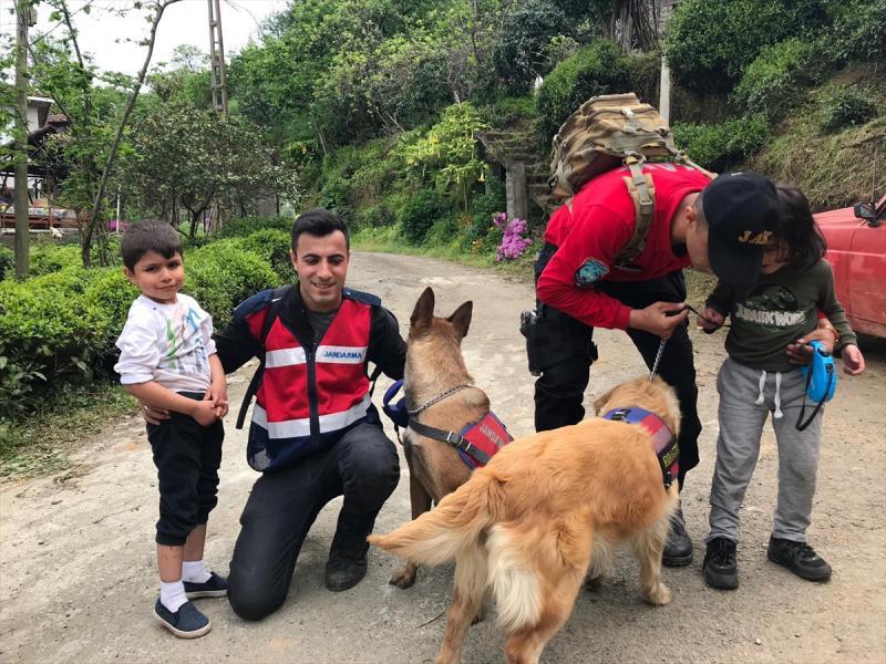Rize'de kayıp çocuklar bulundu - AA (1).jpg