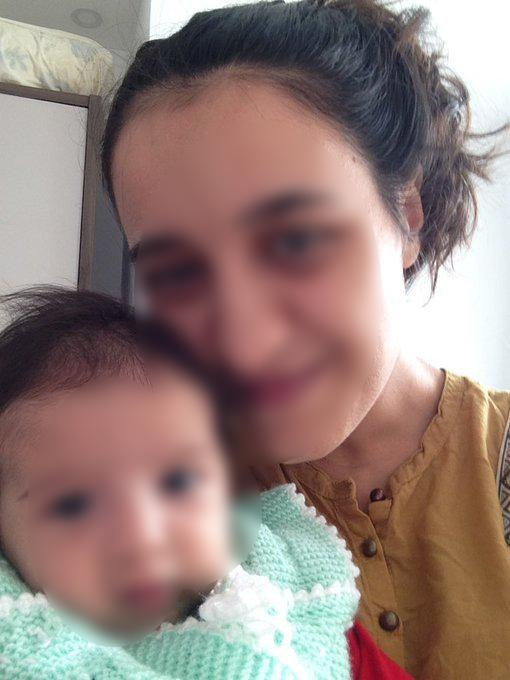 Anne Z.K. bebeğiyle.jpg