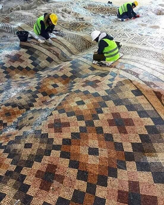 Antakya Antik taban mozaiği - Twitter 1.jpg