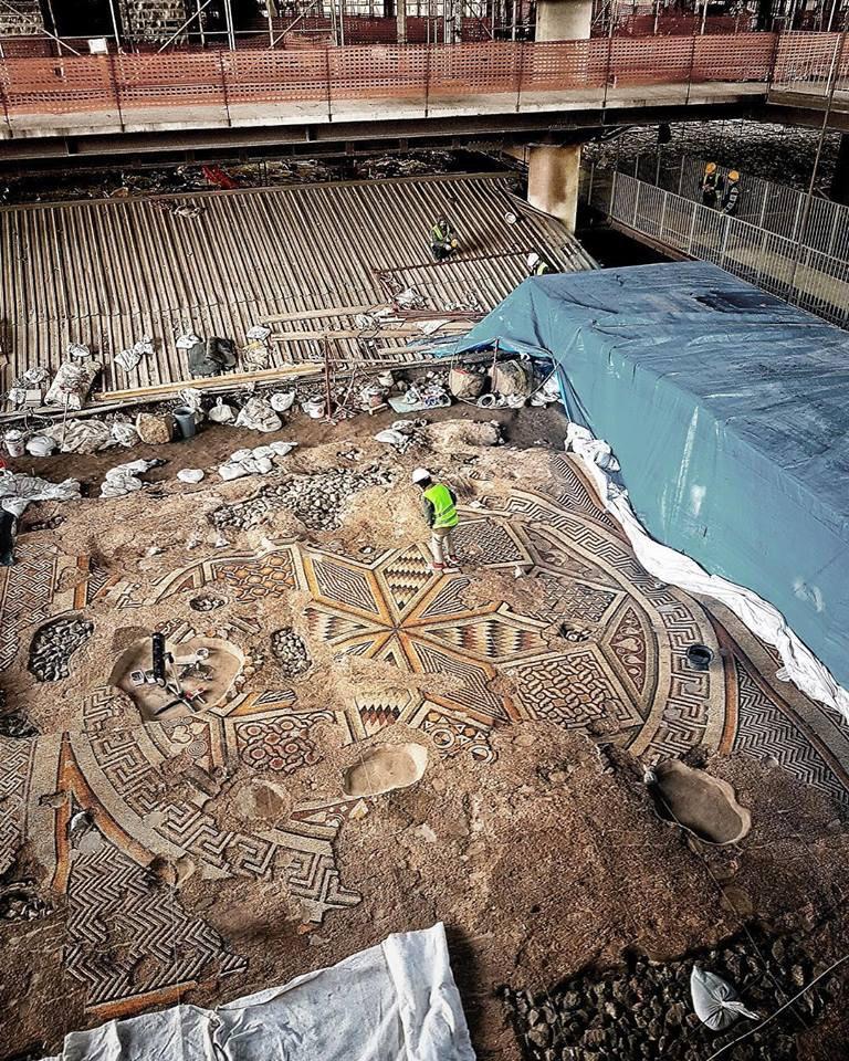Antakya Antik taban mozaiği - Twitter 3.jpg