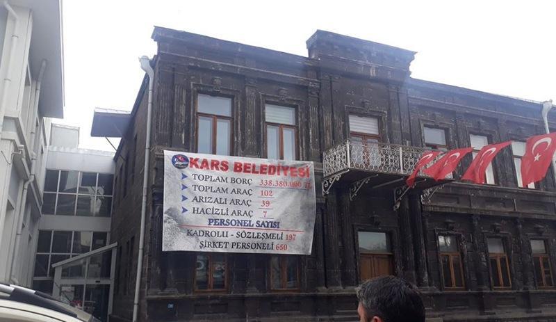 Kars Belediyesi'nin borç afişi.jpg