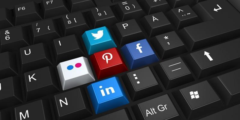 social-networking-2187996_960_720.jpg