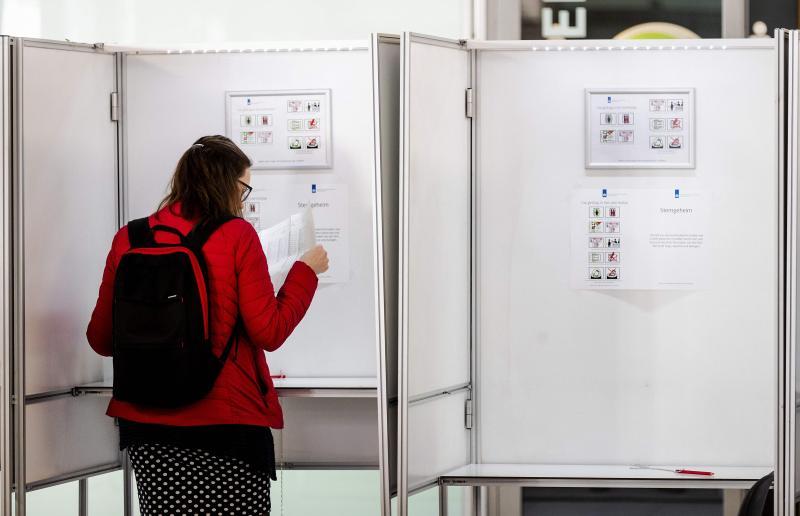 Hollanda AP seçim.jpg