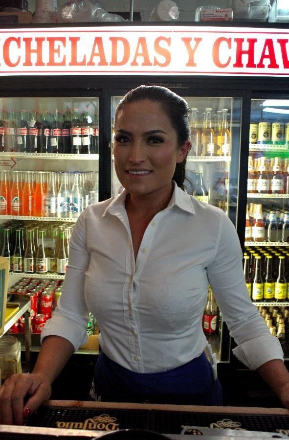 Esmeralda Frausto 33 Yaşında Garson.jpg