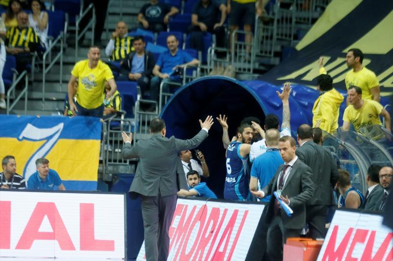 FenerbahçeBeko2-TT-AA.jpg