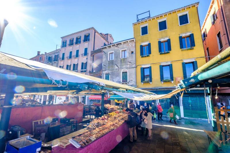 Mercato di Rialto - Independent.jpg