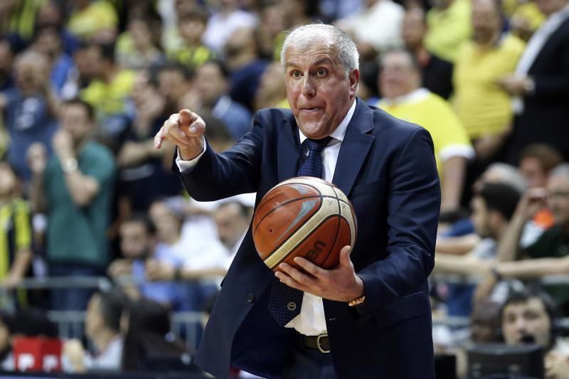 FB Efes Final Obradovic  AA.jpg