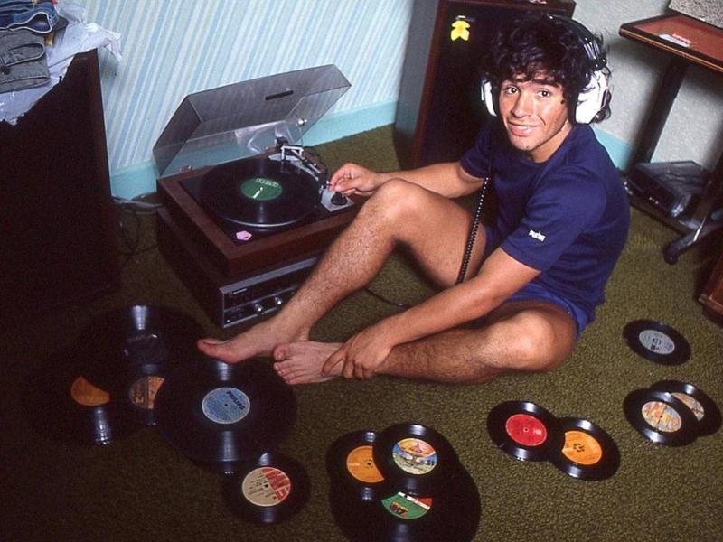 Maradona plak koleksiyonu.jpg