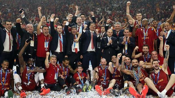 Ergin Ataman  (2) - .eurocupbasketball_com.jpg