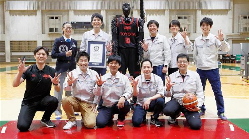 Toyota Robot-AA.jpg
