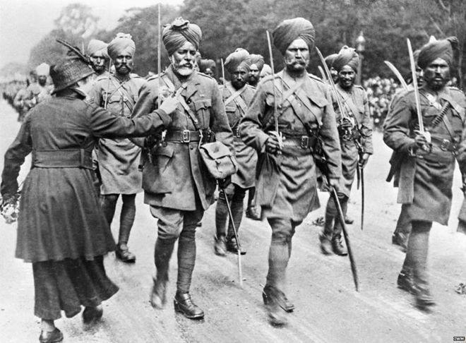 Fotoğraf1 - Birleşik Krallık saflarında savaşan Hintli askerler.jpg