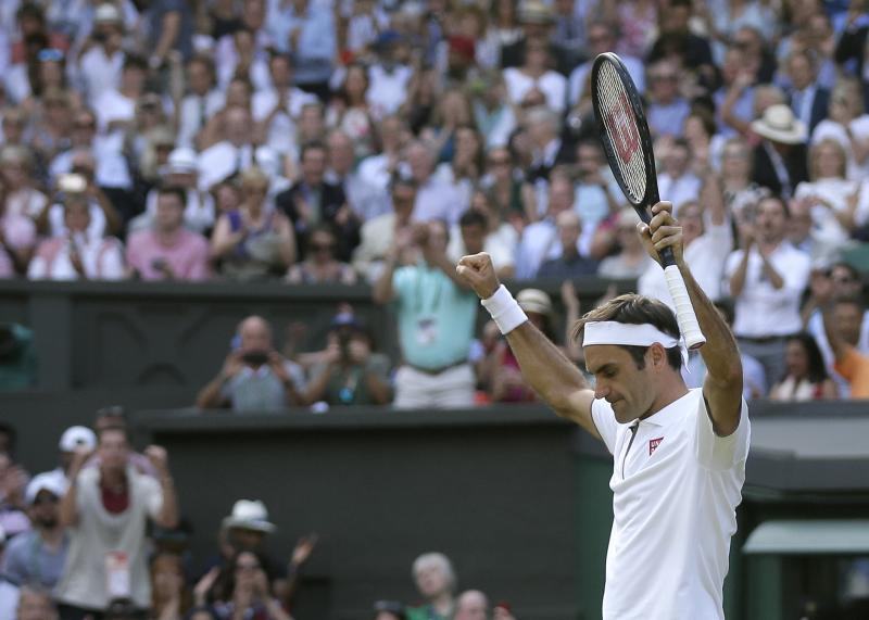 Roger Federer1 - AP Photo.jpg