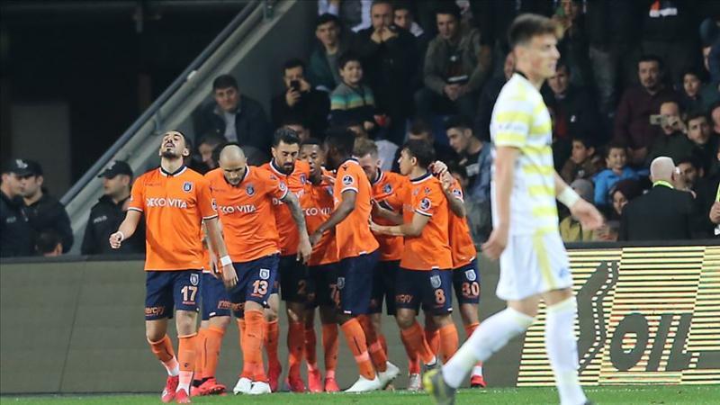 Başakşehir-Fenerbahçe-AA.jpg