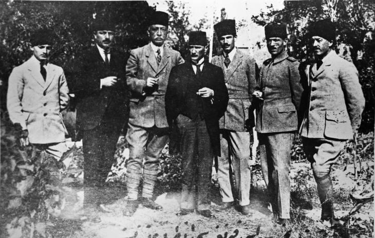 Bekir_Sami_Mustafa_Kemal.jpg
