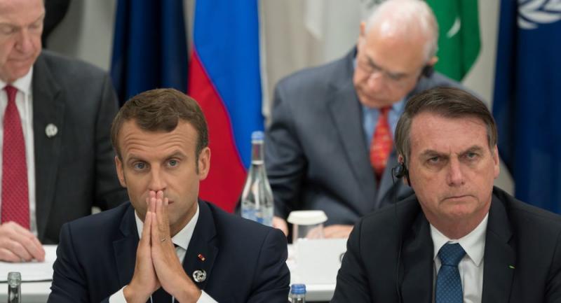 Fransa Cumhurbaşkanı Macron ile Brezilya Cumhurbaşkanı Bolsonaro - AFP.jpg