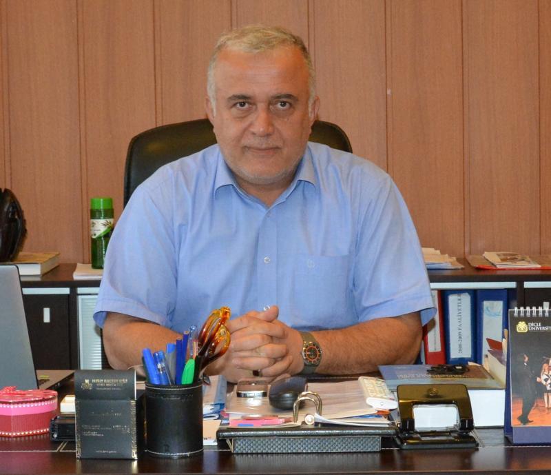 Dicle Üniversitesi Genel Sekreteri Kenan Yakuboğlu.jpeg