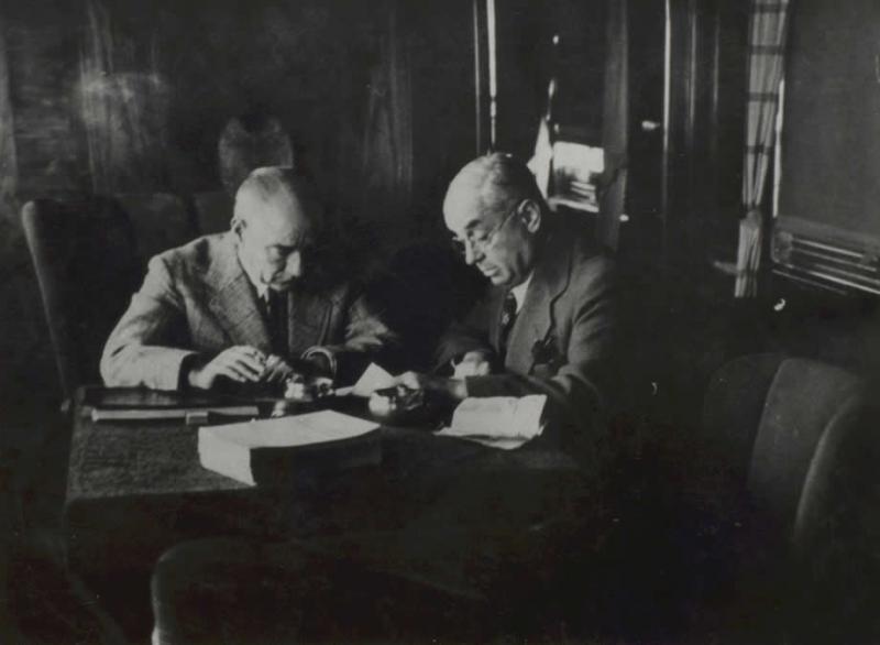 Atatürk ile Celal Bayar tccb.gov_.tr_.jpg