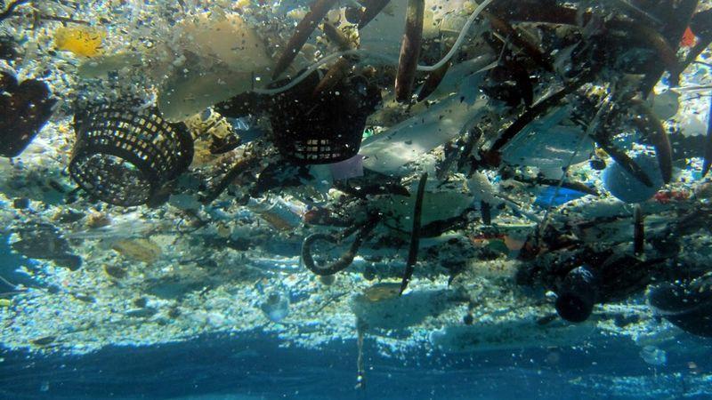 okyanus plastik atık ap.jpg
