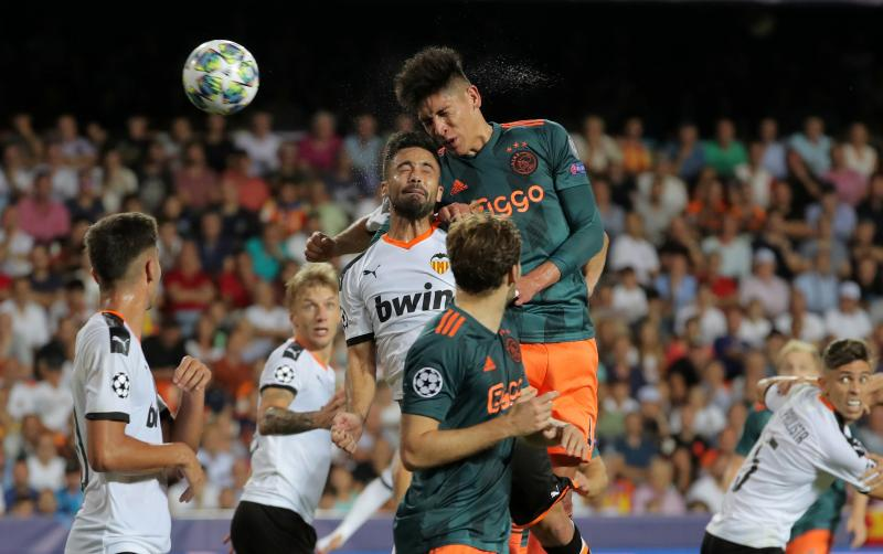 Valencia-Ajax-Reuters.JPG
