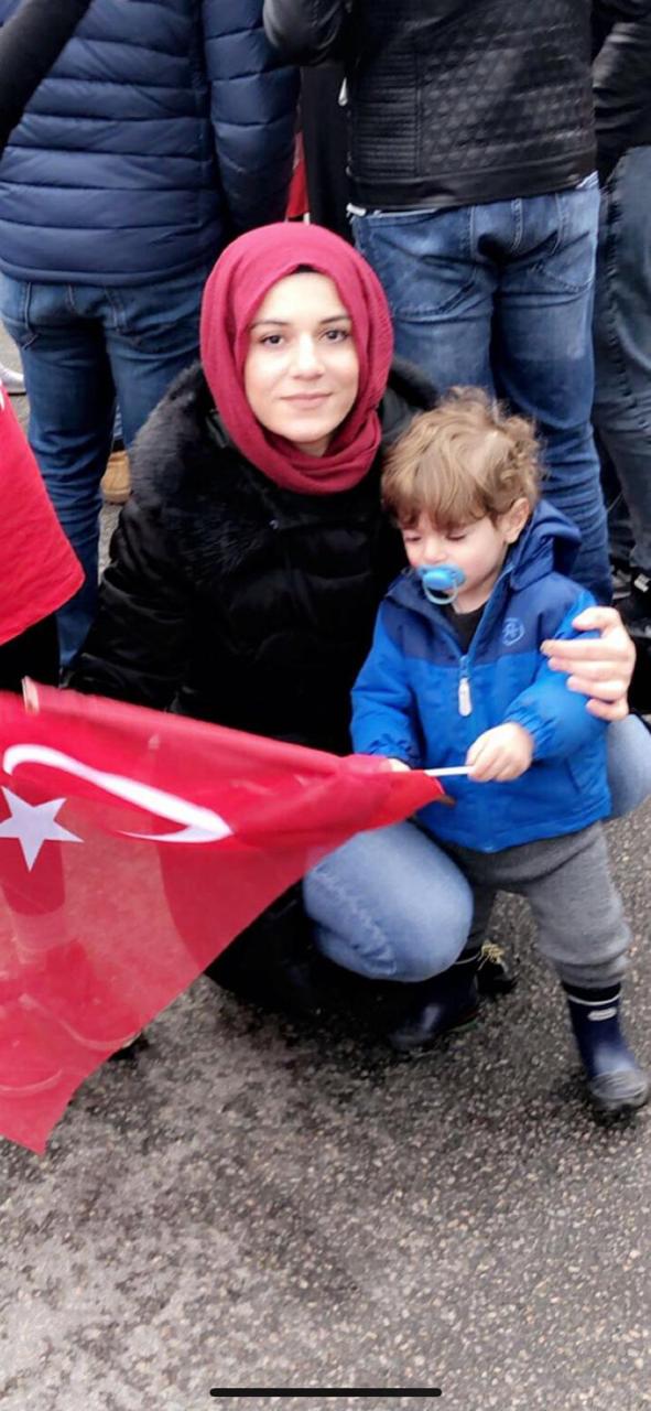Tuğba Kökyer ve oğlu- Norveç