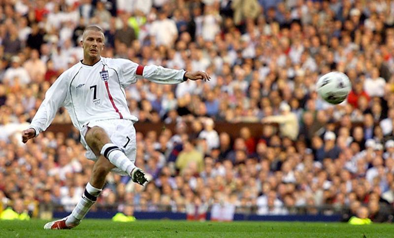 David-Beckham-Greece-FK-2001-Reuters.jpg