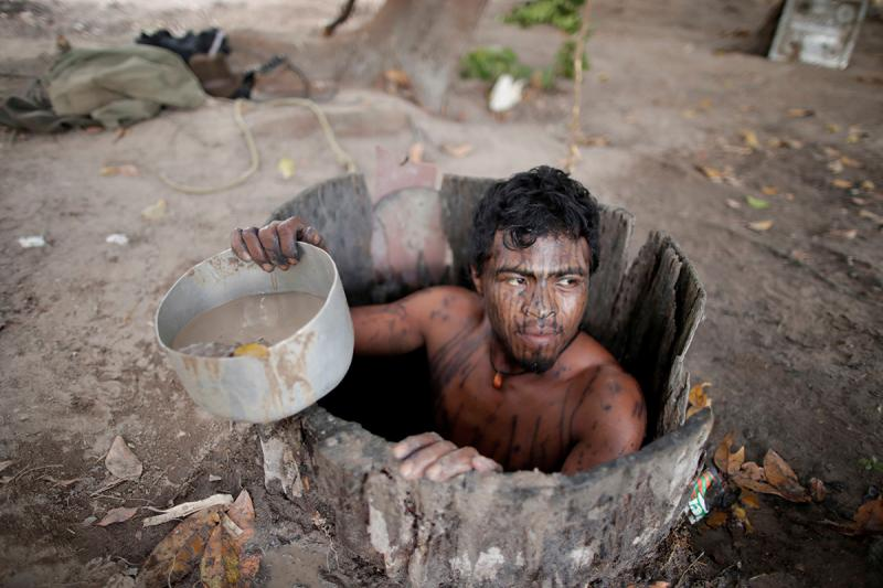 Paulo Paulino Guajajara Reuters 2.jpg