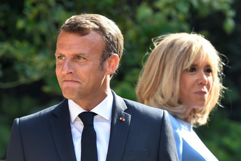 Emmanuel Macron ve Brigitte Macron (AFP).jpg