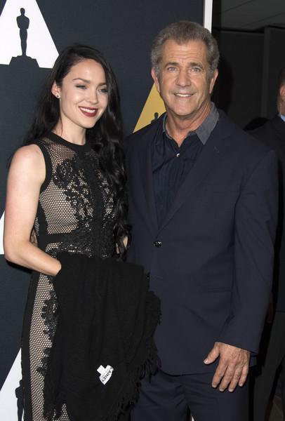 Mel Gibson Rosalind Ross AFP).jpg