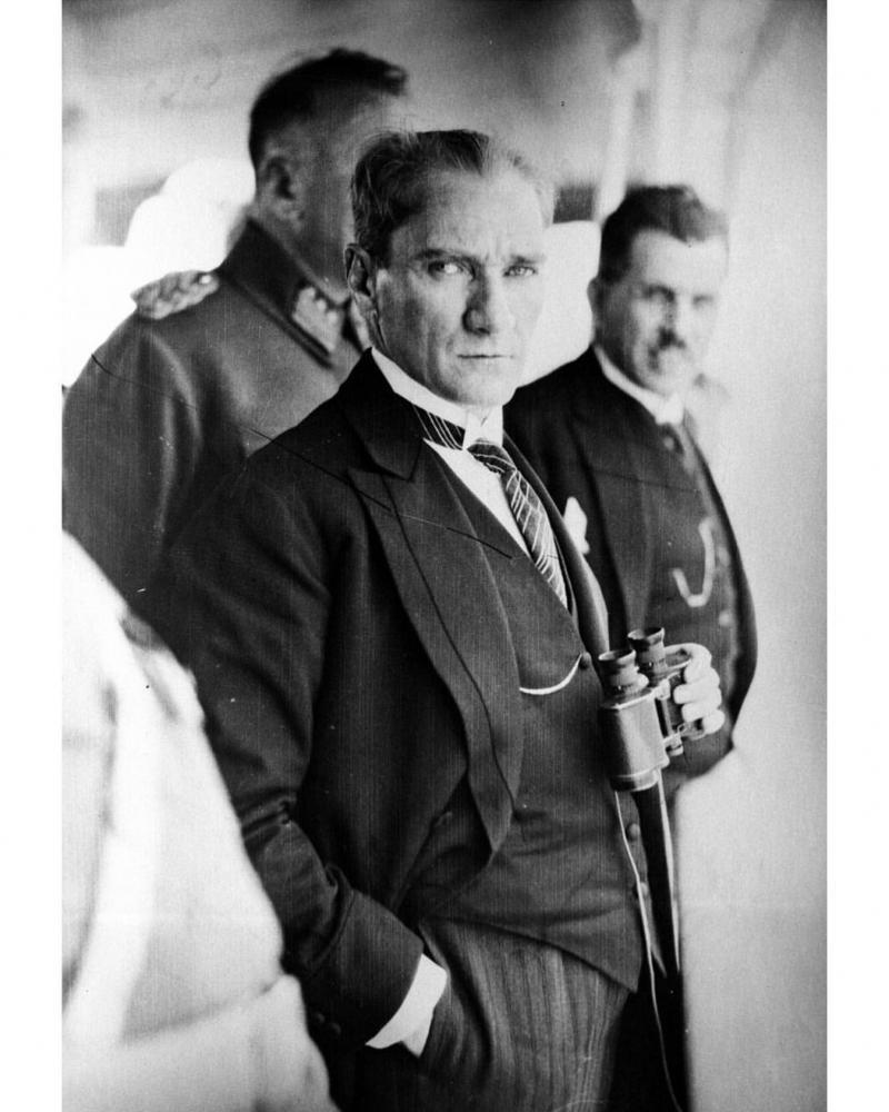 Atatürk 1 AA.jpg