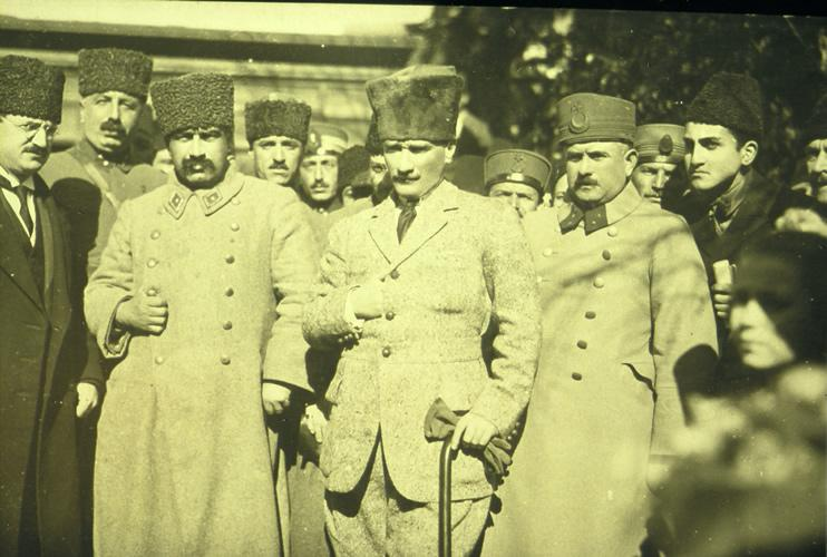 Atatürk - Karabekir.jpg