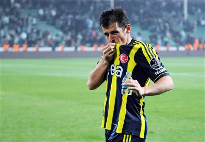 Emre Belözoğlu-2AA.jpg