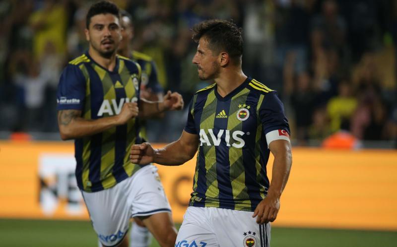 Emre Belözoğlu - AA1.jpg