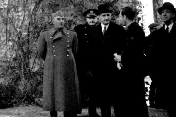 Franco ve Salazar 1942 yılında Sevilla'da.jpg