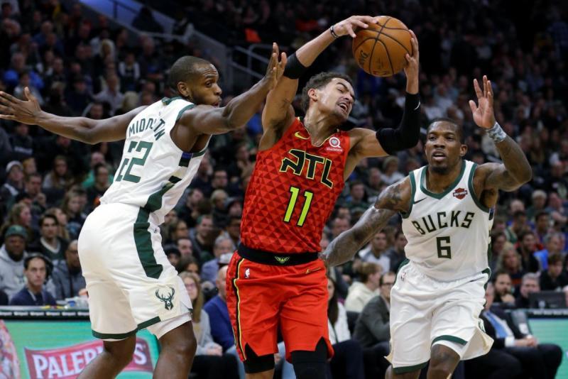 Bucks-Hawks-AP Photo.jpg