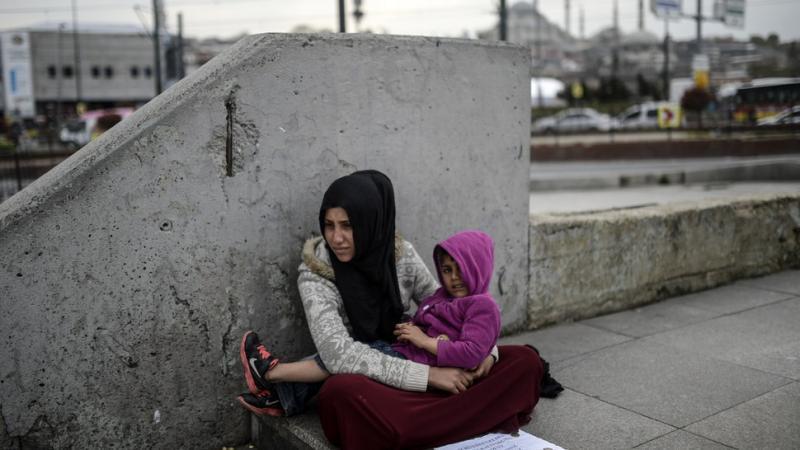 suriyeli kadın ve çocuk AFP.jpg