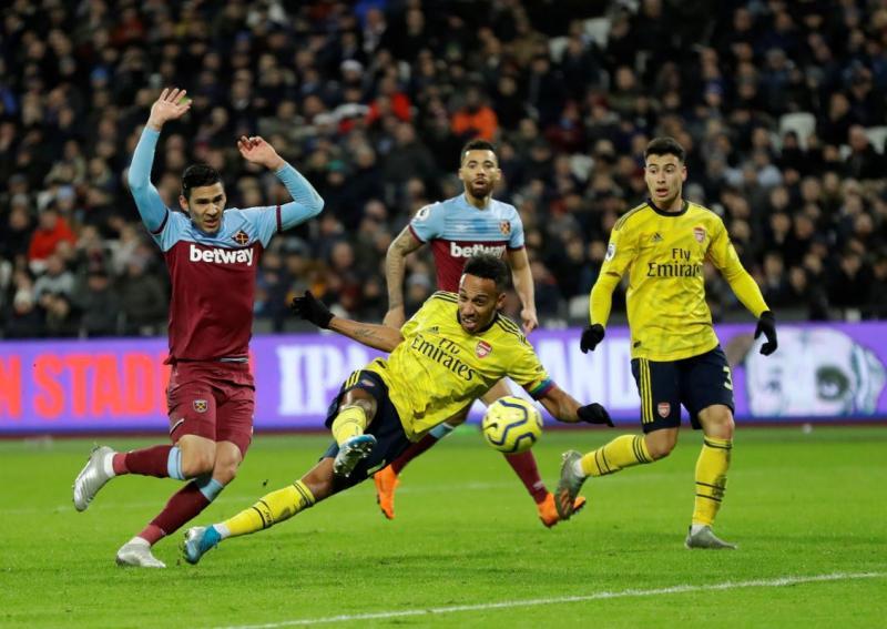 Arsenal1-AP Photo.jpg