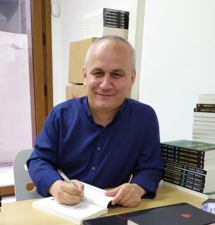 İlahiyatçı Yazar Cemil Kılıç Twitter @m_cemilkilic.jpg