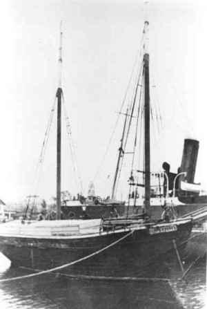 The illegal ship Salvador that left Bulgaria with Jewish refugees for Palestine in December 1940 (Yad Vashem Archives).jpg