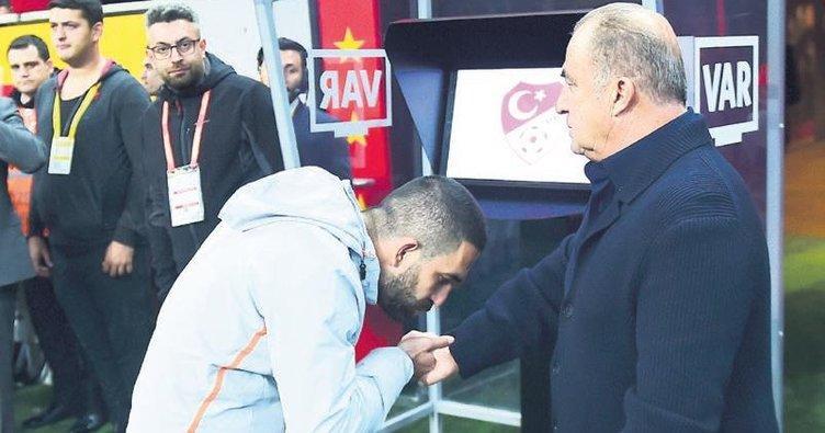 Arda Turan-Fatih Terim - Twitter.jpeg